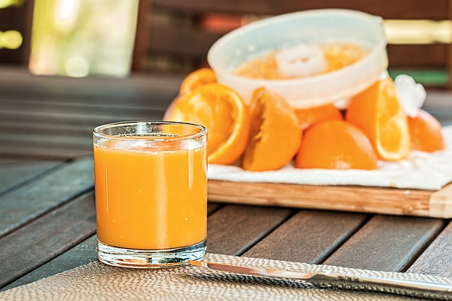 fresh-orange-juice-1614822_640.jpg